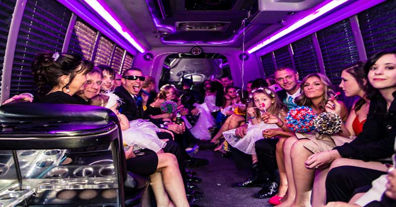 Limousines in Gaithersburg Start loving commuting and partying